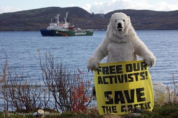 Auch Putin anerkennt: ArktisschützerInnen sind keine Piraten
