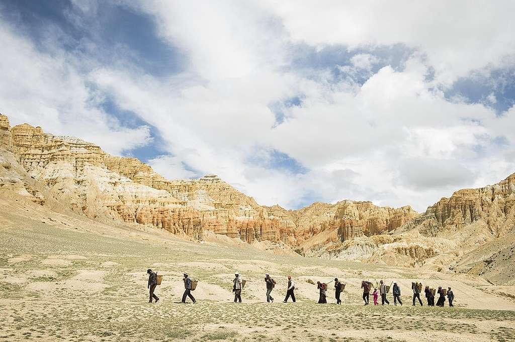 Fotoausstellung: Sam Dzong – ein Dorf zieht um