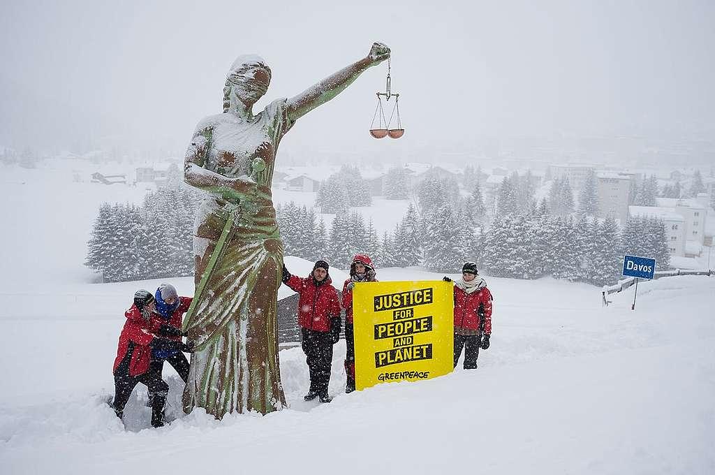 In Davos auf Gerechtigkeit hören