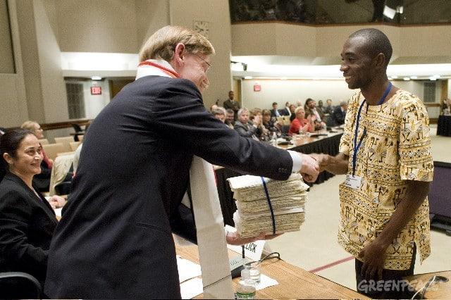 42000 Unterschriften für den Regenwald im Kongo