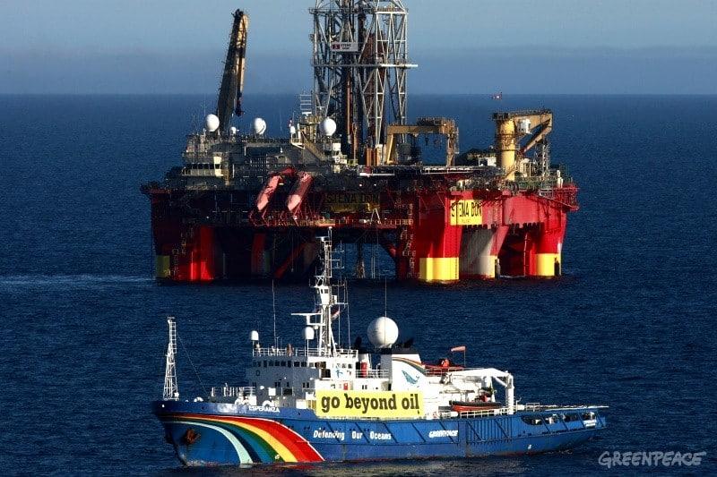 Greenpeace en Arctique pour lutter contre l'invasion des forages offshore profonds