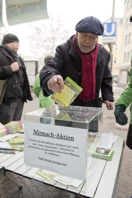 Mitmach-Aktionen multiplizieren die Wirkung von Information (Protest gegen Gentech in Deutschland)