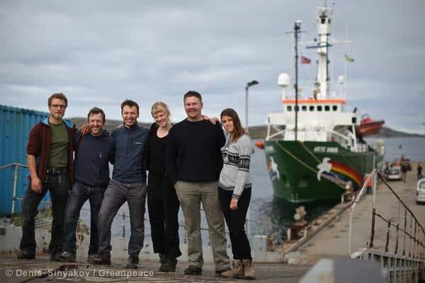 Statt Piraterie nun Hooliganismus / EU-Abgeordnete kritisieren Inhaftierung der Arctic 30