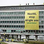 Annonces de Nestlé sur le climat et le plastique: une évolution positive, mais le chemin reste long