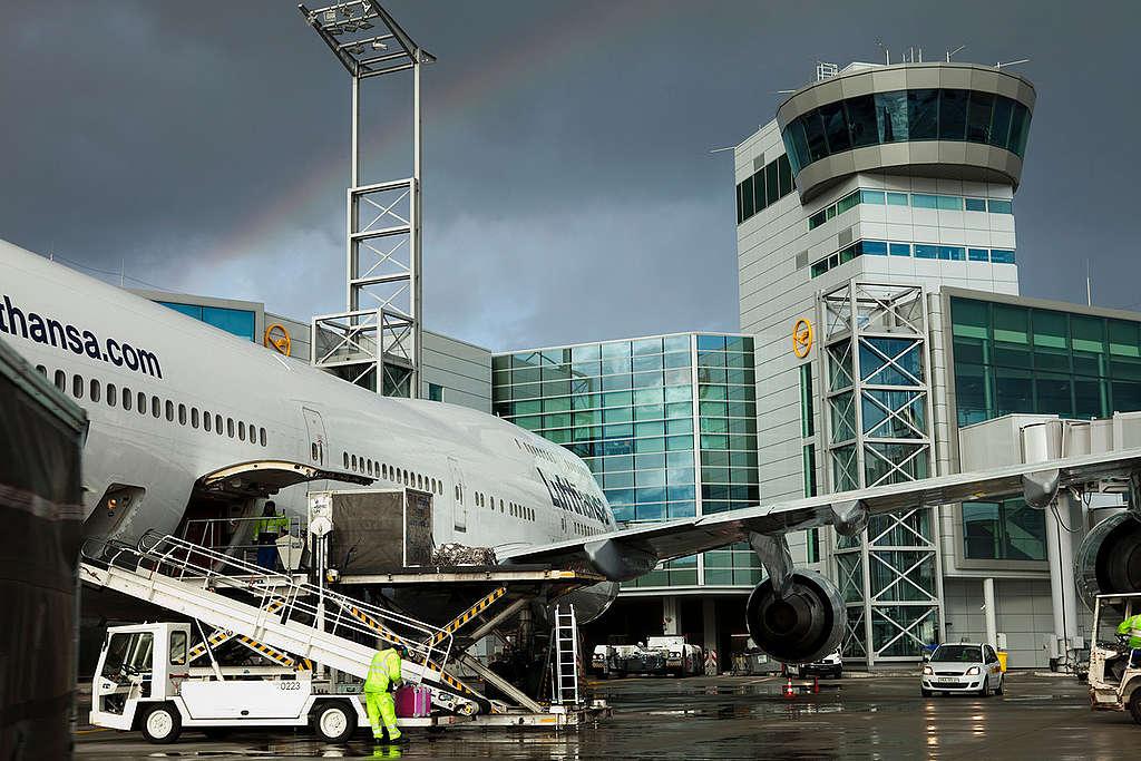許多航班受疫情影響而決定停飛。(此為示意圖)