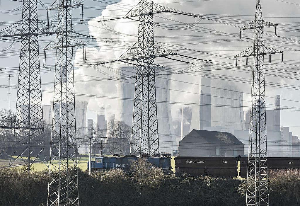 煤炭從為蒸汽機產生動力,演變成發電,徹底改變現代化社會的運作模式。