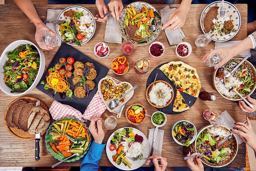 在家烹飪以植物性食物為主的餐點,打造綠色飲食。