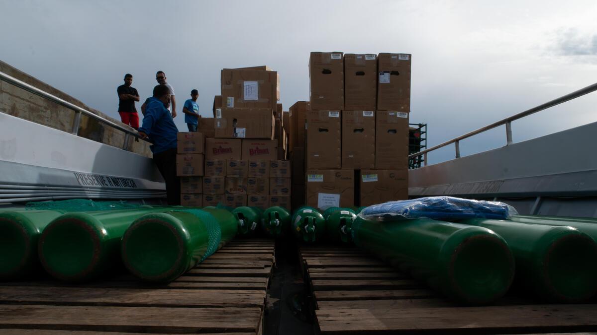 部分物資是經由水路,從河道進入巴西最多原住民的區域São Gabriel da Cachoeira,共計超過7噸物資,包括食物、氧氣瓶、攜帶式氧氣機、發電機等電子用品。