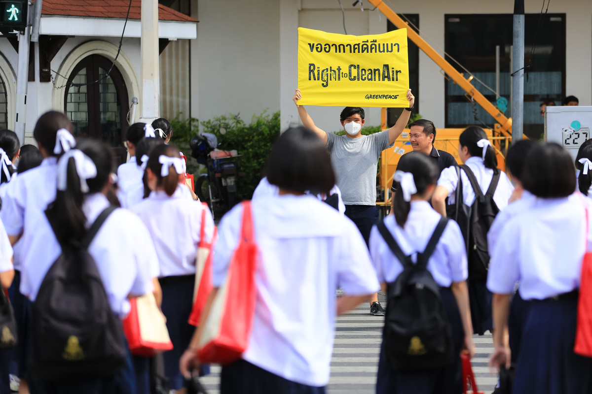 """Right to Clean Air"" Activity in Bangkok. © Baramee  Temboonkiat / Greenpeace"