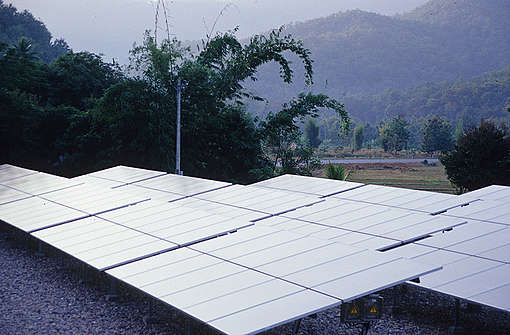 Pha Bong Solar Cell Power Plant in Thailand. © Christian Kaiser / Greenpeace