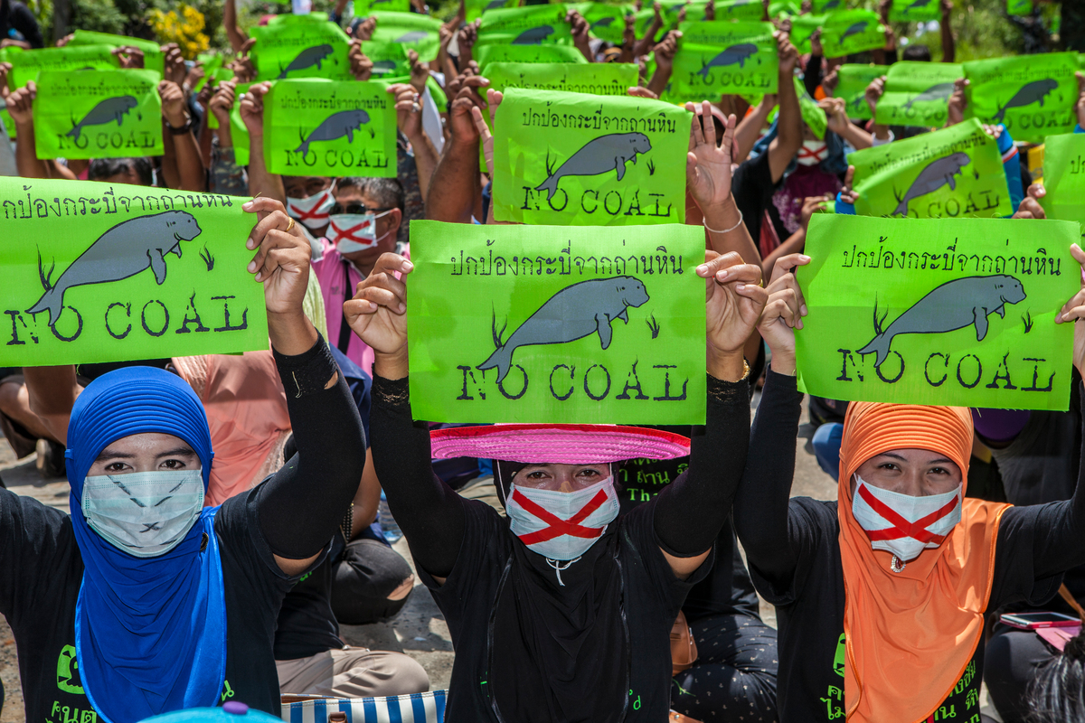 Community Protest Against Coal Project In Krabi. © Sittichai Jittatad / Greenpeace