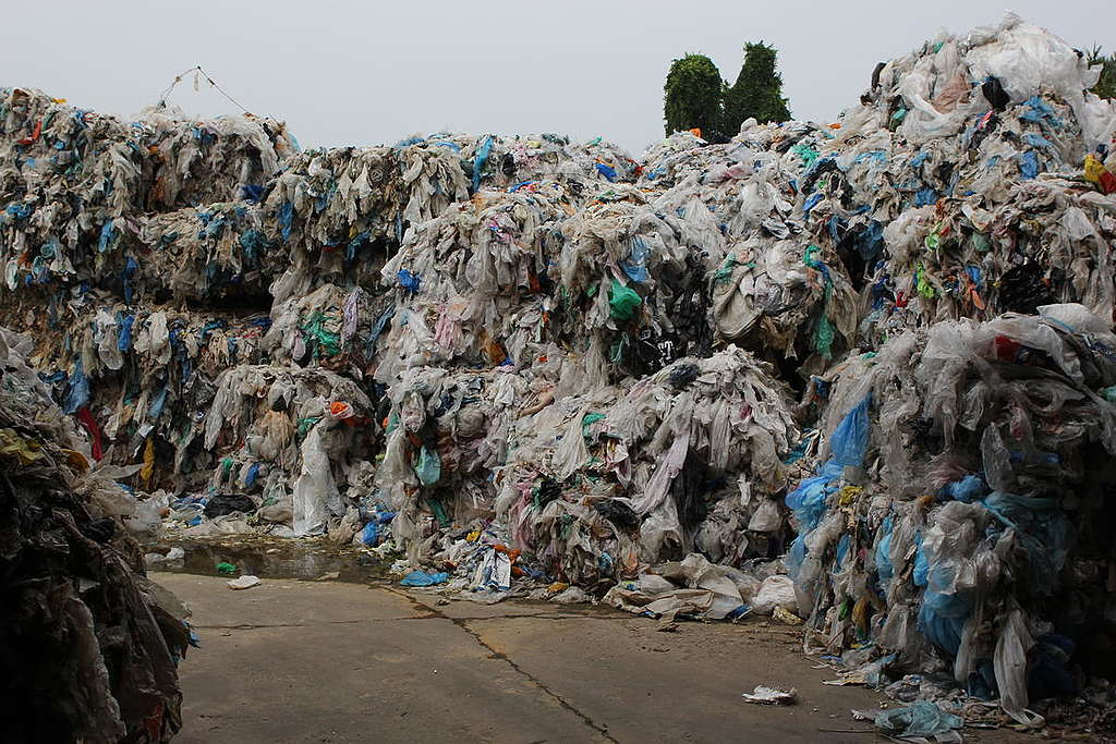 UK Plastic Waste at Wespack Recycling Factory, Malaysia. © Greenpeace