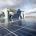 Solar Panels on Chancellery Building in Berlin. © Paul Langrock / Greenpeace