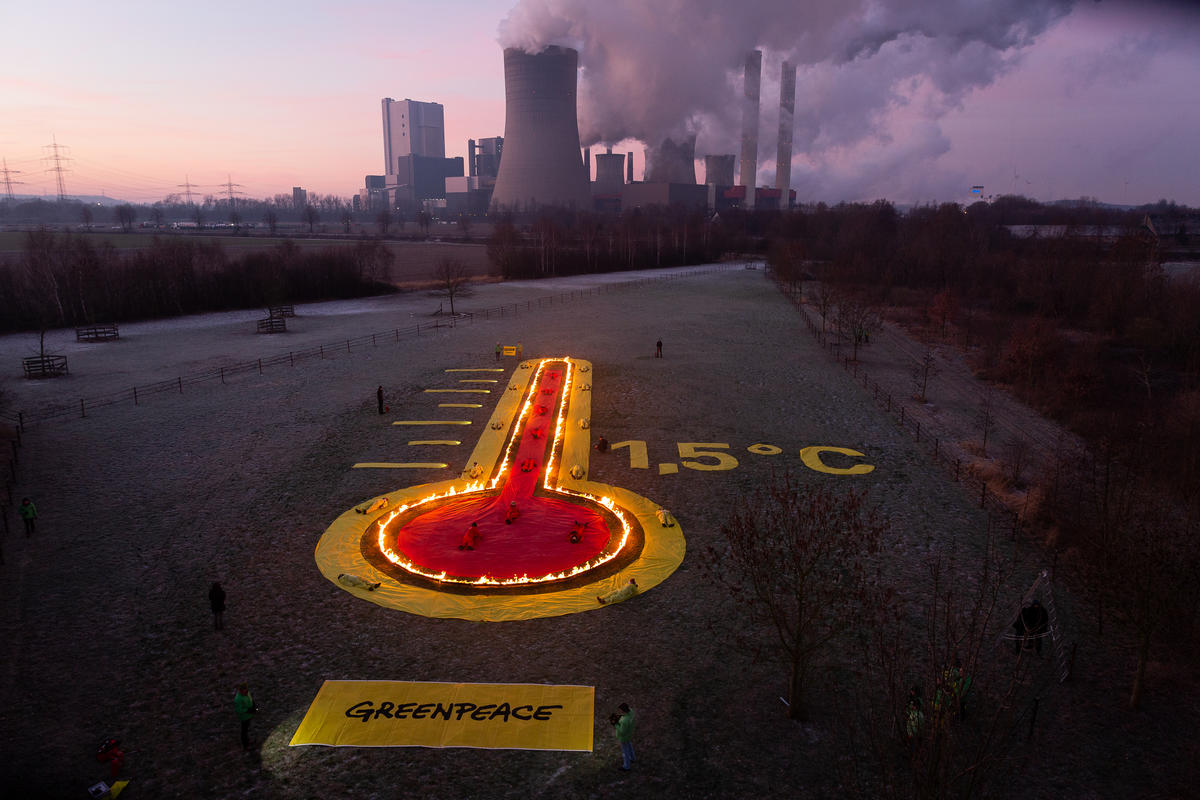 Protest at Coal Power Plant Niederaussem in Germany. © Daniel Müller / Greenpeace