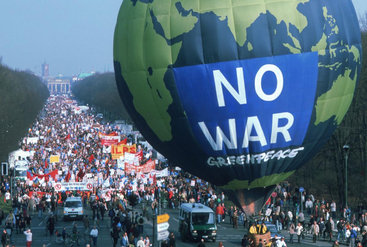 No War Demonstration in Germany. © Paul Langrock / Greenpeace