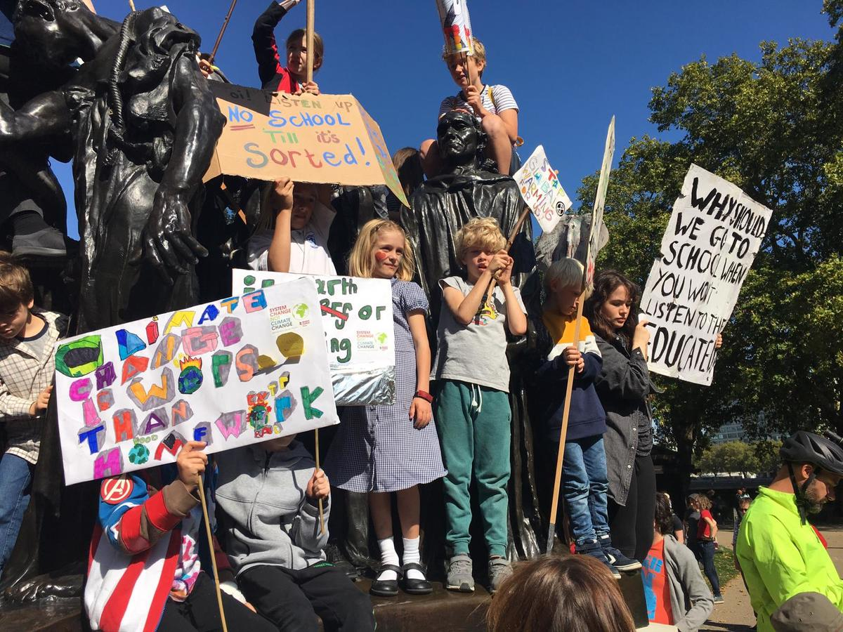 Climate Strikers in London. © Greenpeace