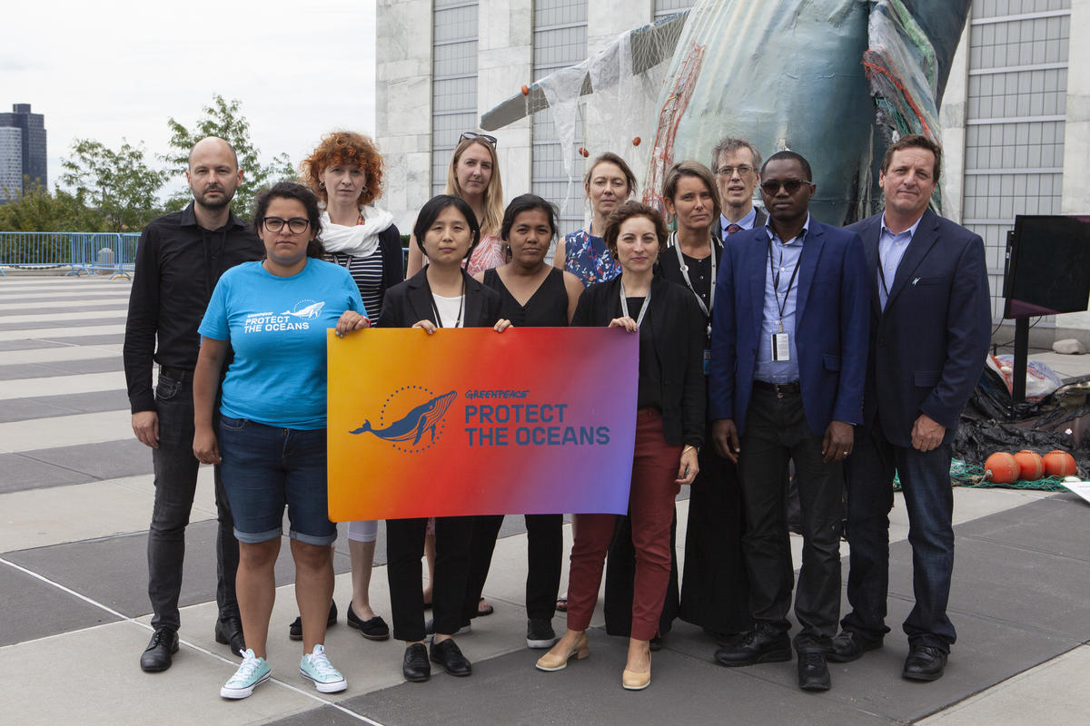 Greenpeace Delegation at the IGC3 Negotiations in New York. © Alex Yallop / Greenpeace