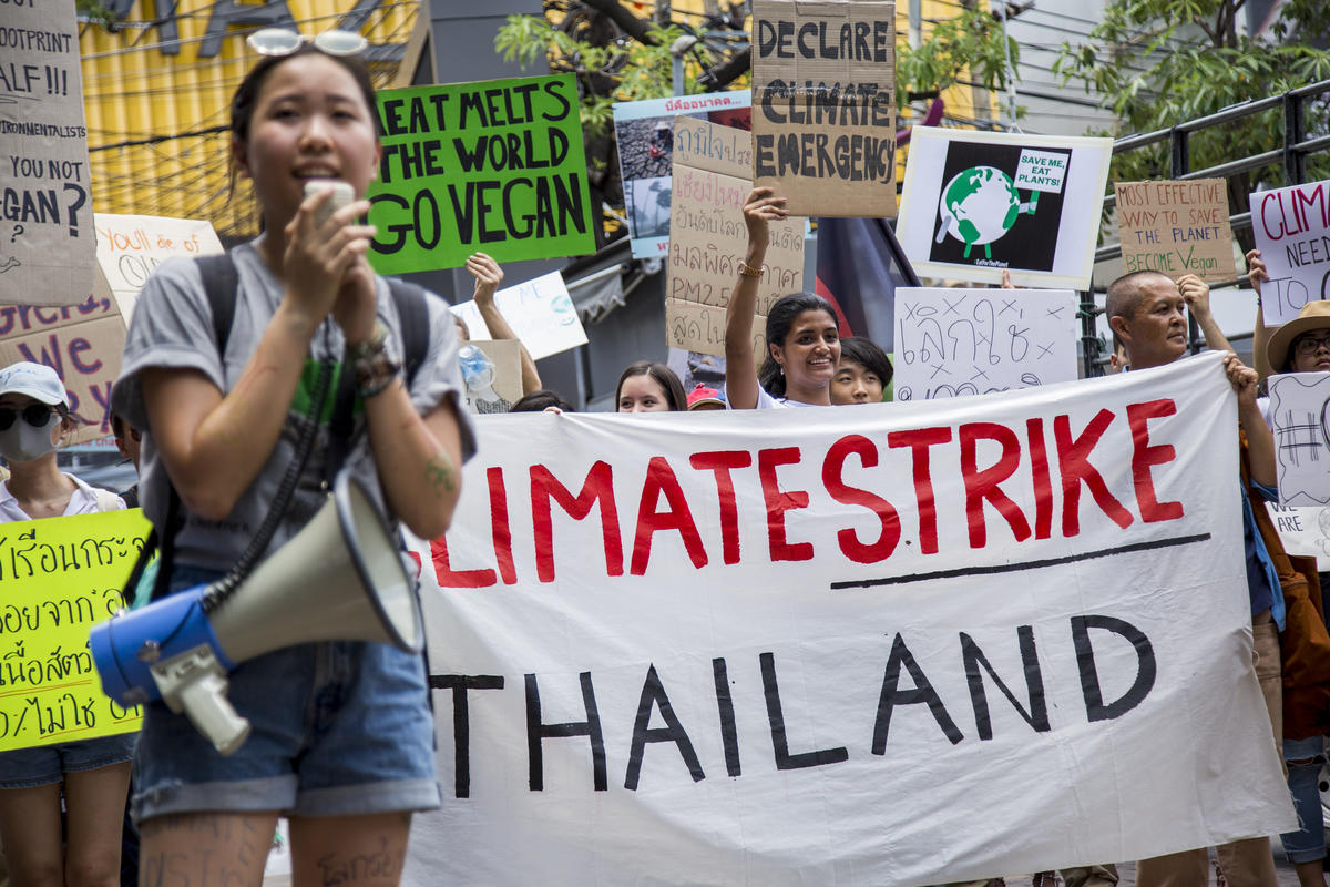 Fridays for Future Student Protest in Bangkok. © Biel Calderon / Greenpeace