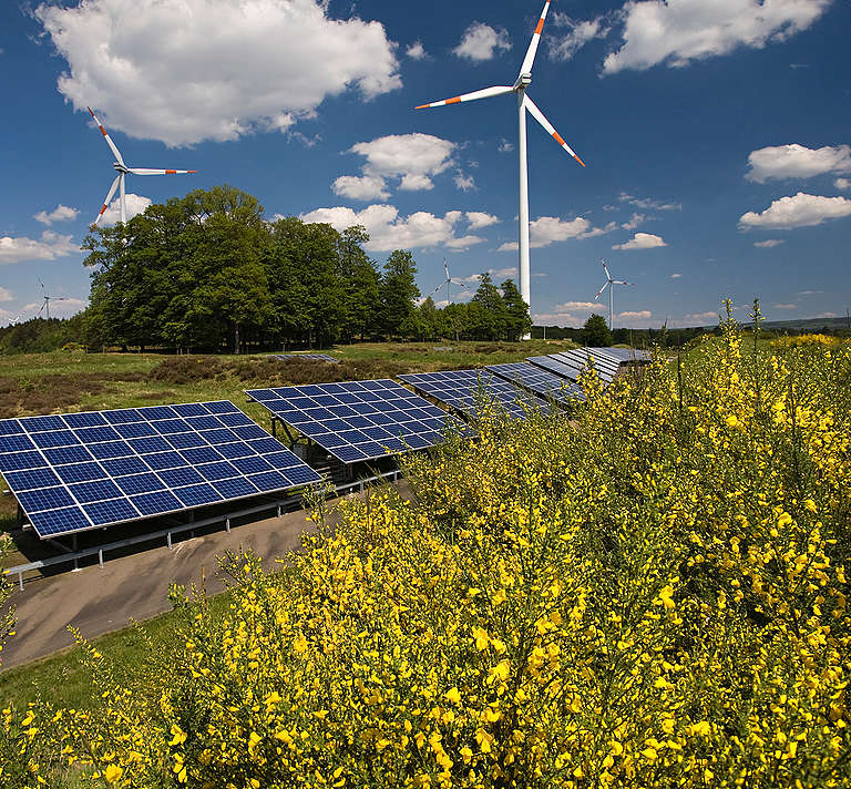 Renewable Energy Farm in Germany. © Paul Langrock / Zenit / Greenpeace