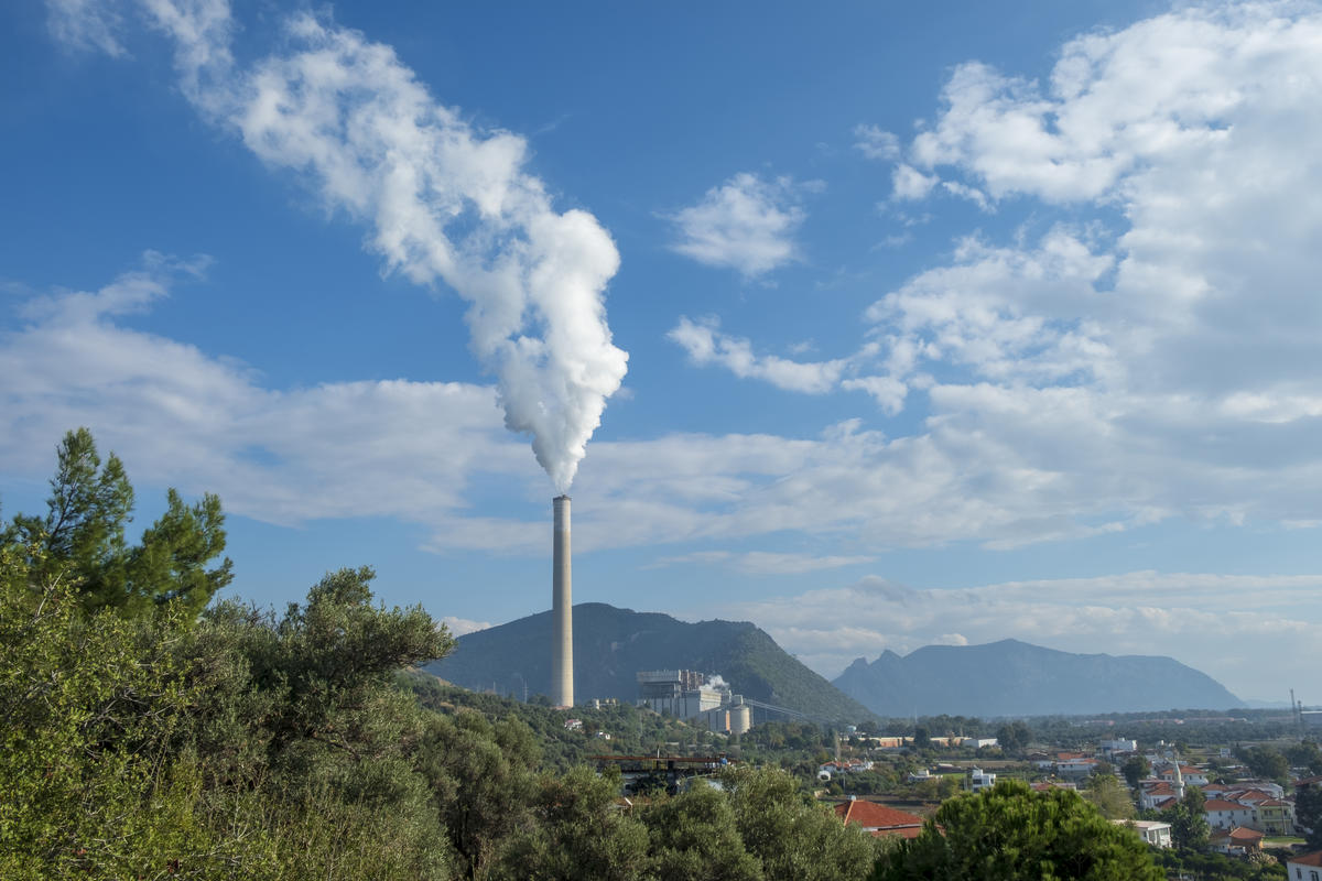 Coal Power Plant Chimney in Turkey. © Caner Ozkan / Greenpeace