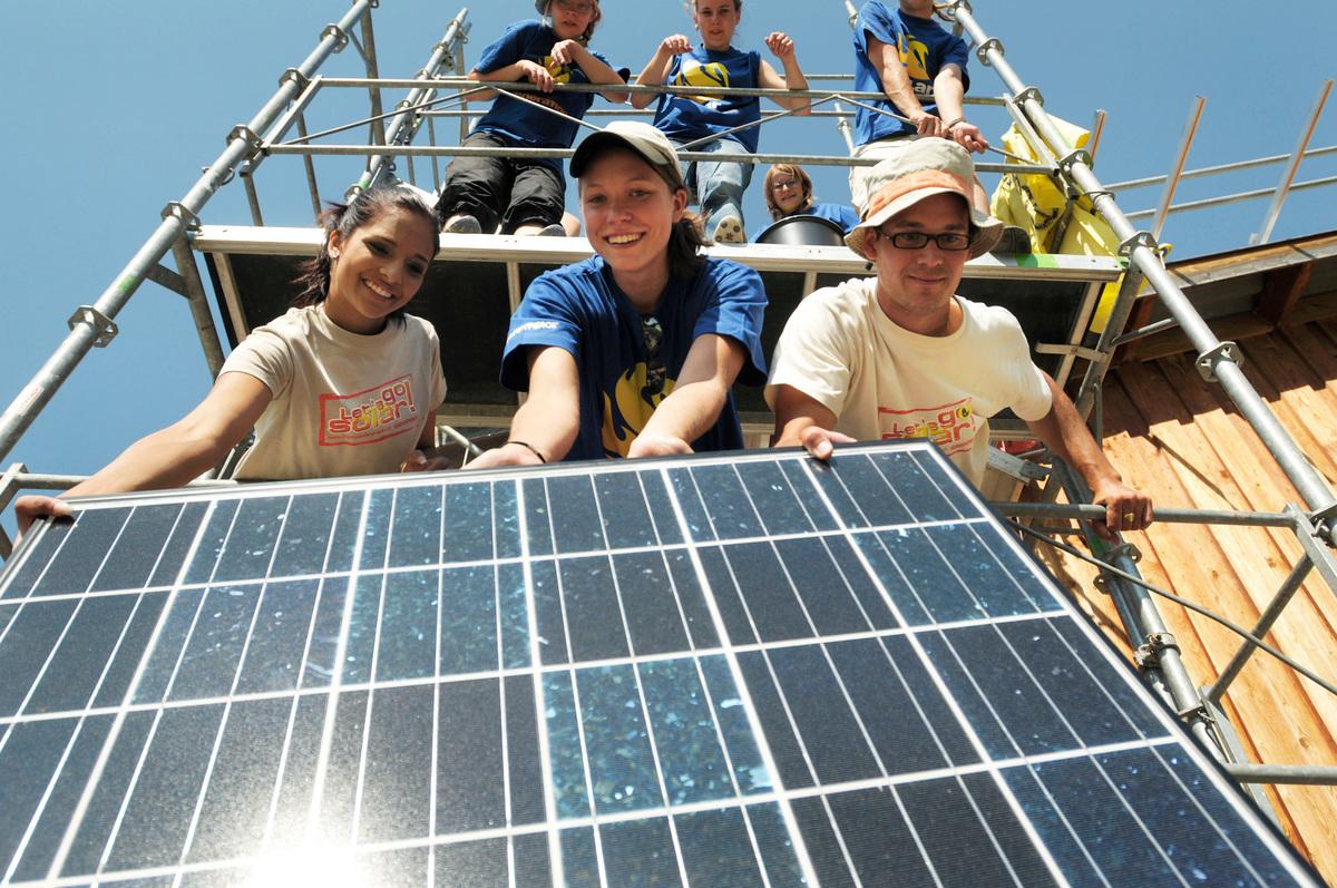 Solar System Installation in Alvaneu. © Greenpeace / Ex-Press / Markus Forte