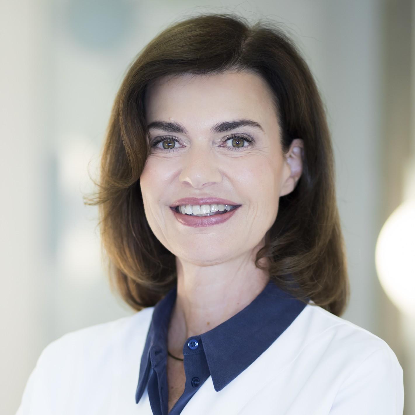 Dr. Sophie Menkes