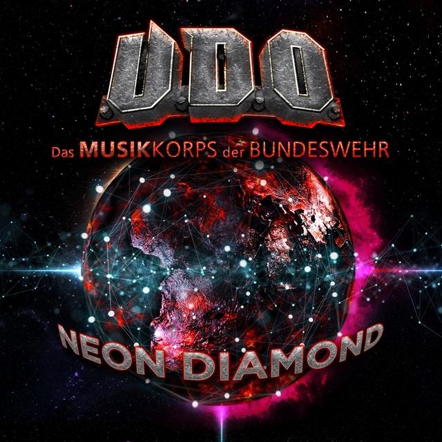 Couverture de Neon Diamond