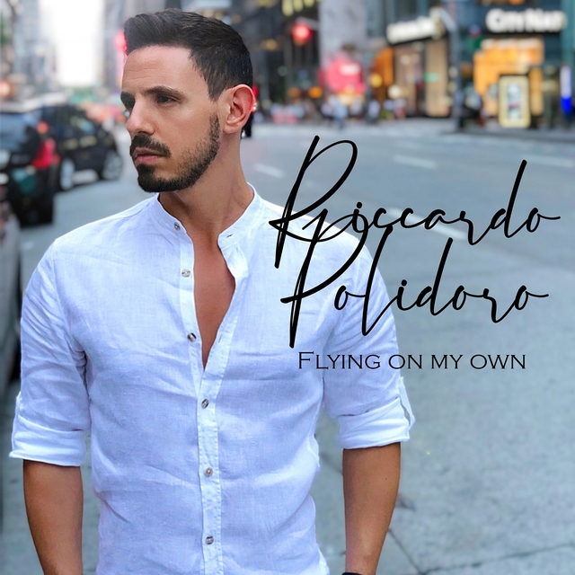 Couverture de Flying on My Own