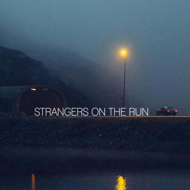 Couverture de Strangers on the Run