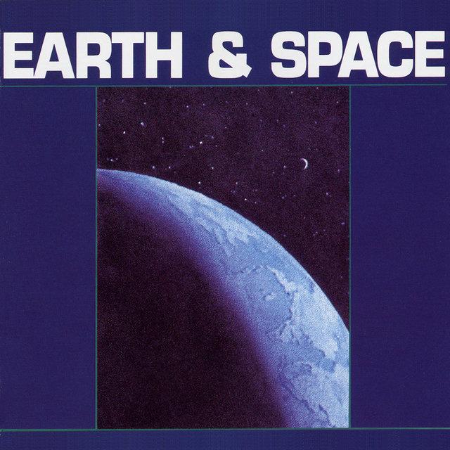 Couverture de Earth & Space