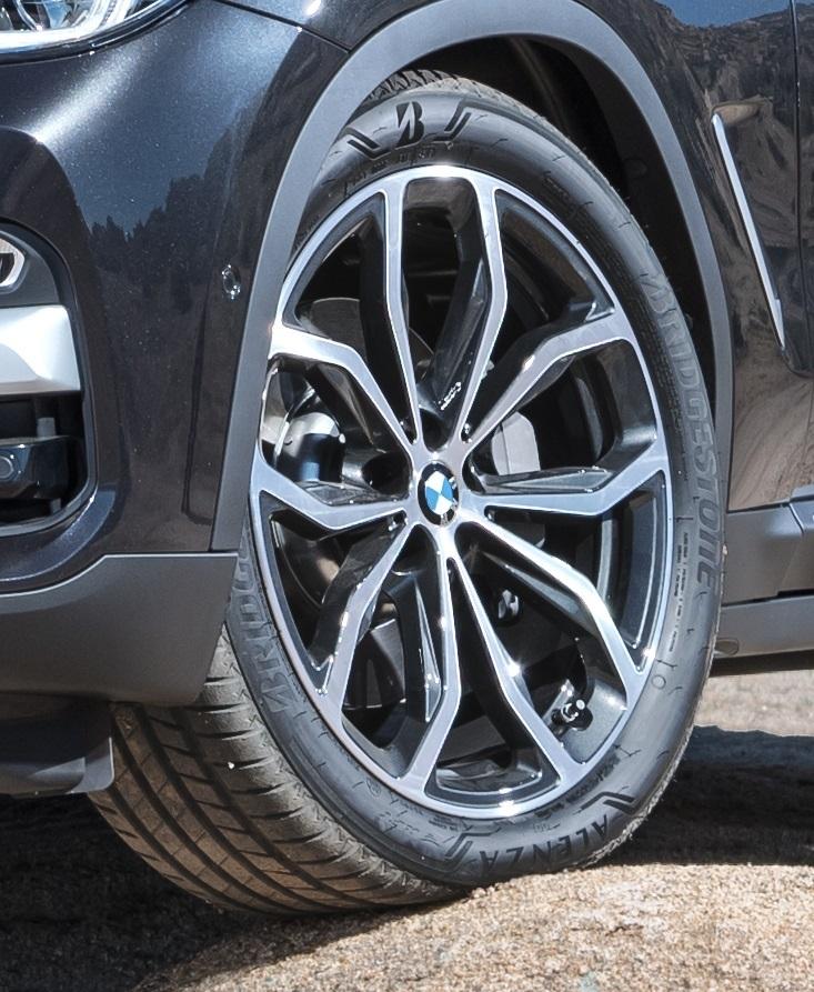 Bridgestone scelta per il primo equipaggiamento di SUV di lusso di nuova generazione