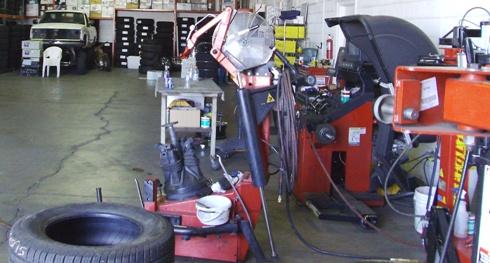 Smaltimento smontagomme, equilibratrici e altre attrezzature da officina: il 14 agosto cambia la normativa