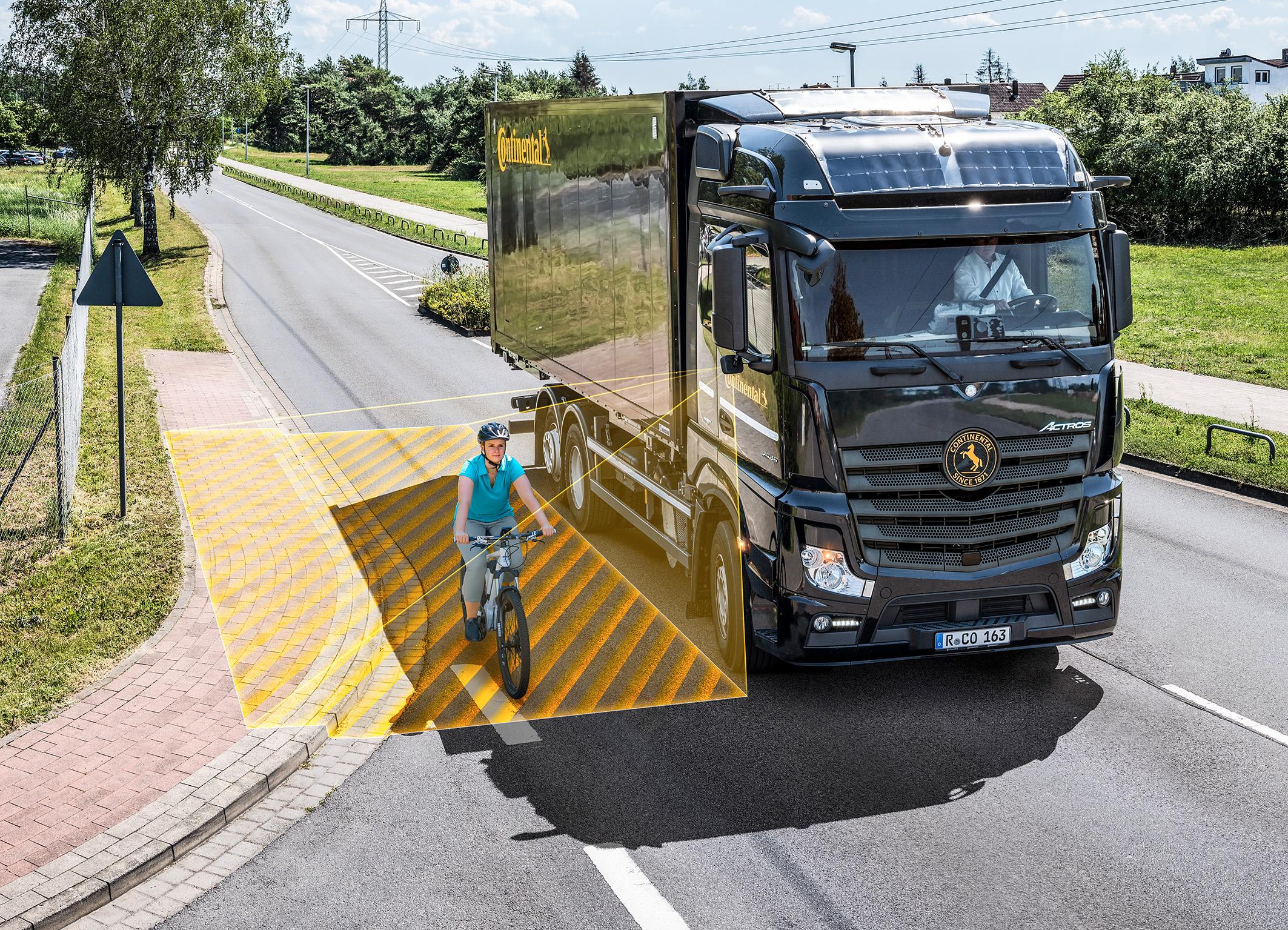 Sicurezza alla guida: Continental lancia sul mercato RightViu, il sistema Turn Assist per veicoli commerciali