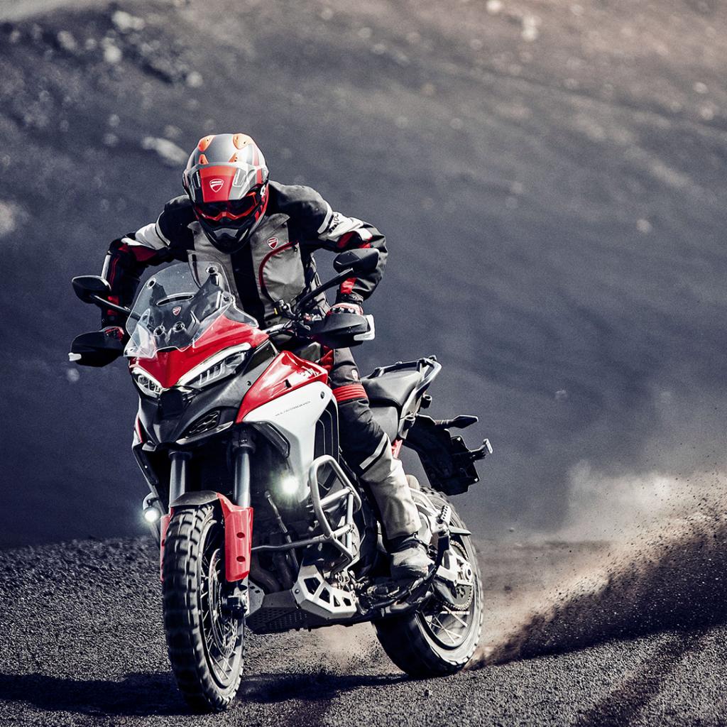 Tre diversi equipaggiamenti Pirelli per la nuova Ducati Multistrada V4