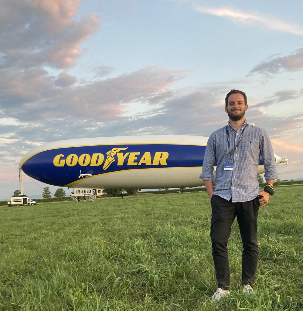 Il dirigibile Goodyear a Milano