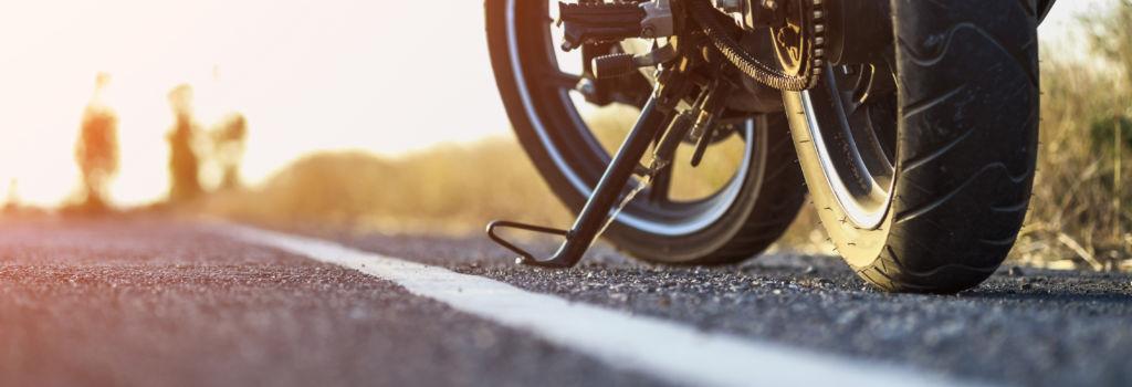 Lähikuva moottoripyörän renkaasta
