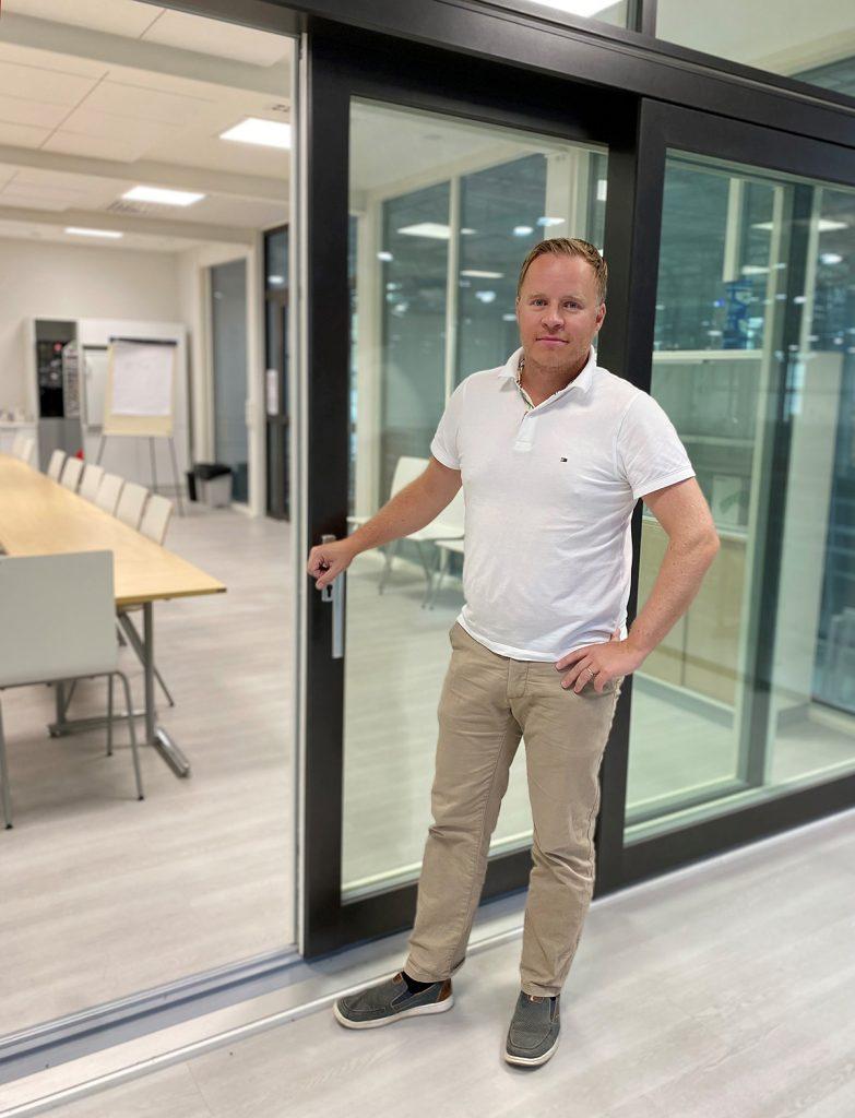 Antti Hautapakka Skaala ikkunat