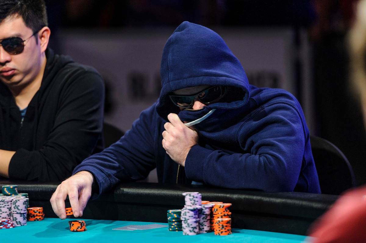 The signature Zvi Stern look in the 2015 WSOP Main Event right before eliminating George McDonald. (Photo: PokerPhotoArchive)