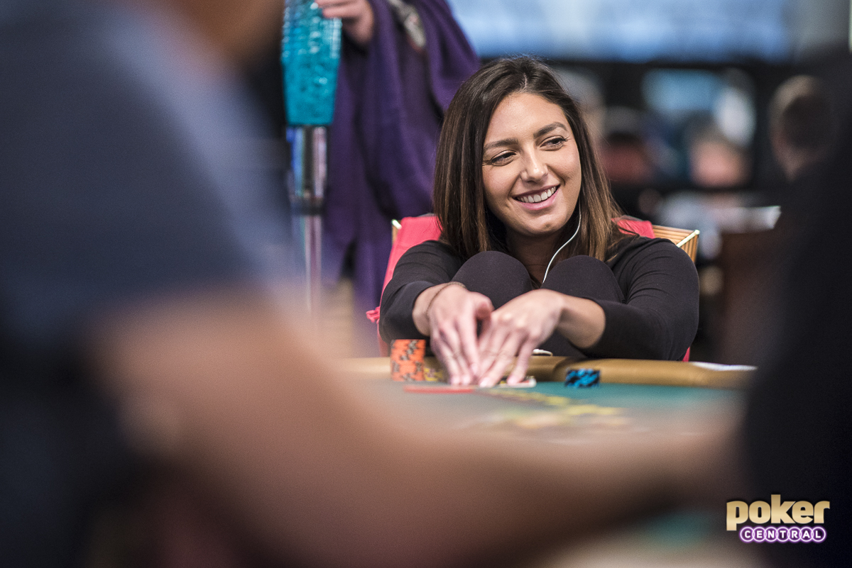 Walking thru the Brasilia Room Kelly Minkin was all smiles early here on Day 1B, as the Arizona based attorney has chipped up nicely, sitting on a stack of over 80,000. In 2015 Minkin finished 29th out of the 6,420 entries in the Main Event. She would take home over $211,000 for the run, her second best career score to date.