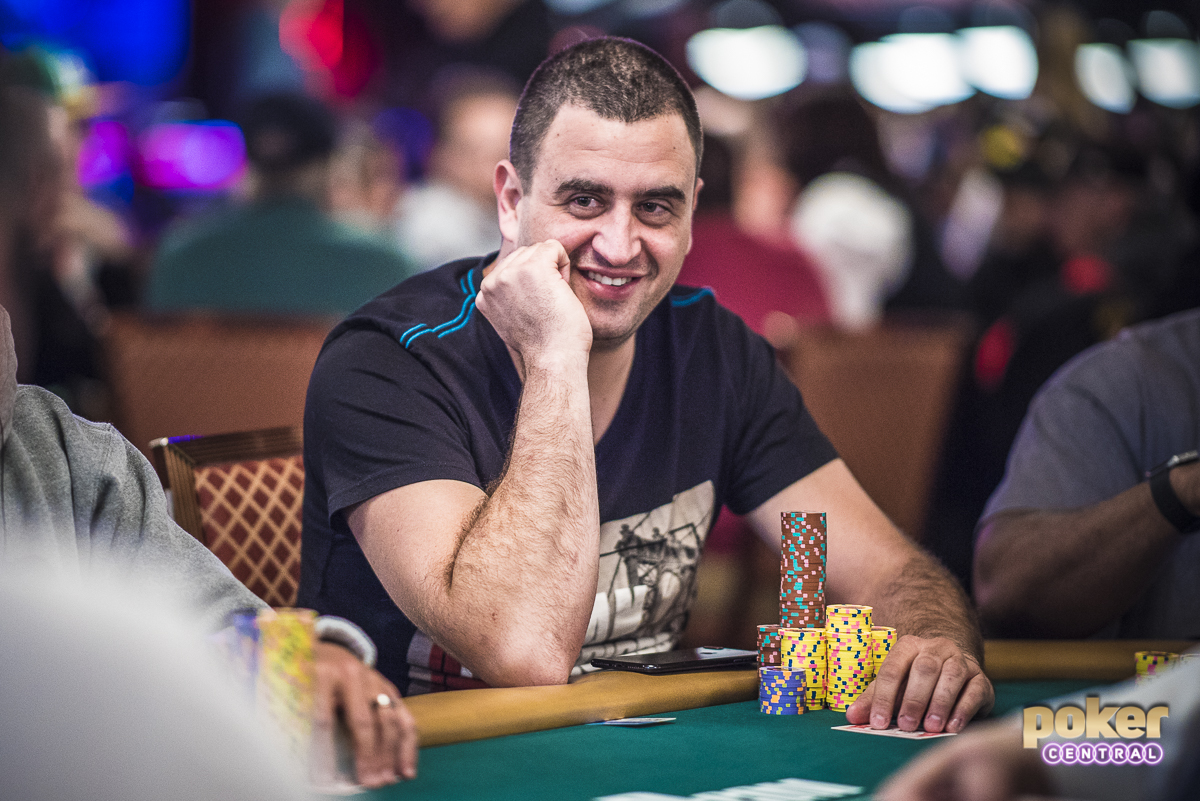 Robert Mizrachi building stacks with a smile in 2018.