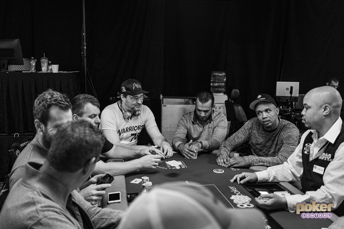 Phil Ivey's table in the $10,000 Omaha Eight-or-Better Championship featuring Phil Hellmuth.