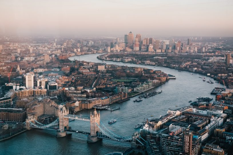 London is the place to be for poker fans the next two week! (Photo by Benjamin Davies on Unsplash)
