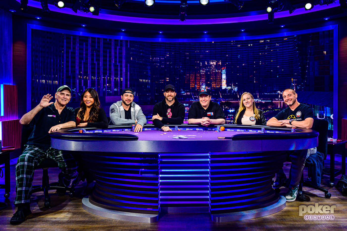 Night 1 of Showbound week on Poker After Dark featured Norm Macdonald, Maria Ho, Garry Gates, Chance Kornuth, Jamie Gold, and Jamie Kerstetter alongside qualifier Woody Kaawar.