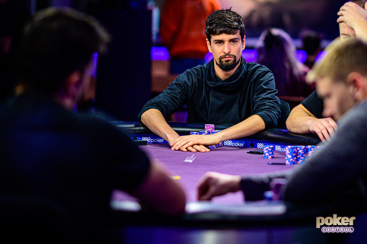 Sergi Reixach in action at the final table.