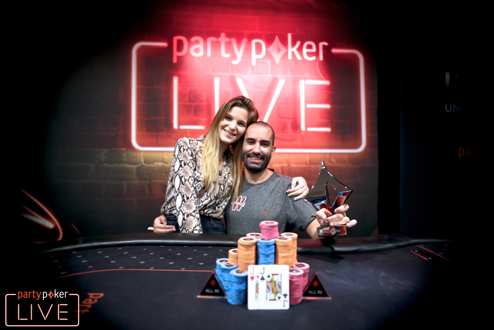 Joao Vieira and his girlfriend (photo: Mickey May/partypoker)