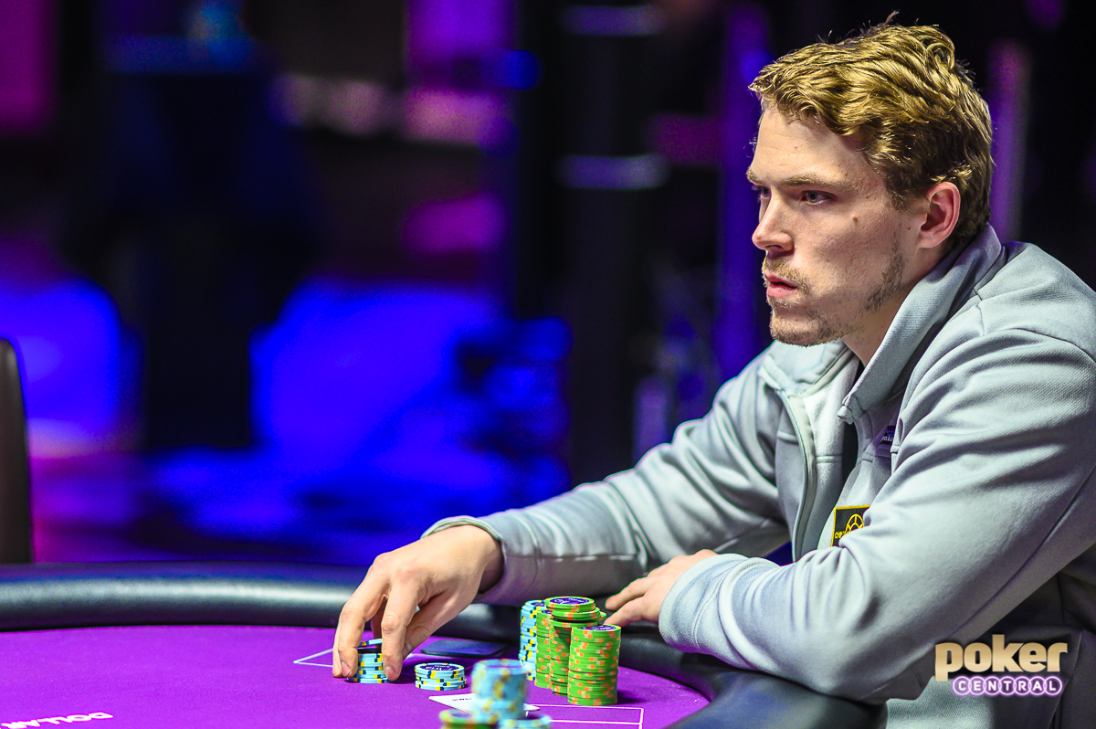 Alex Foxen went on a massive run during Day 2 of Super High Roller Bowl V.