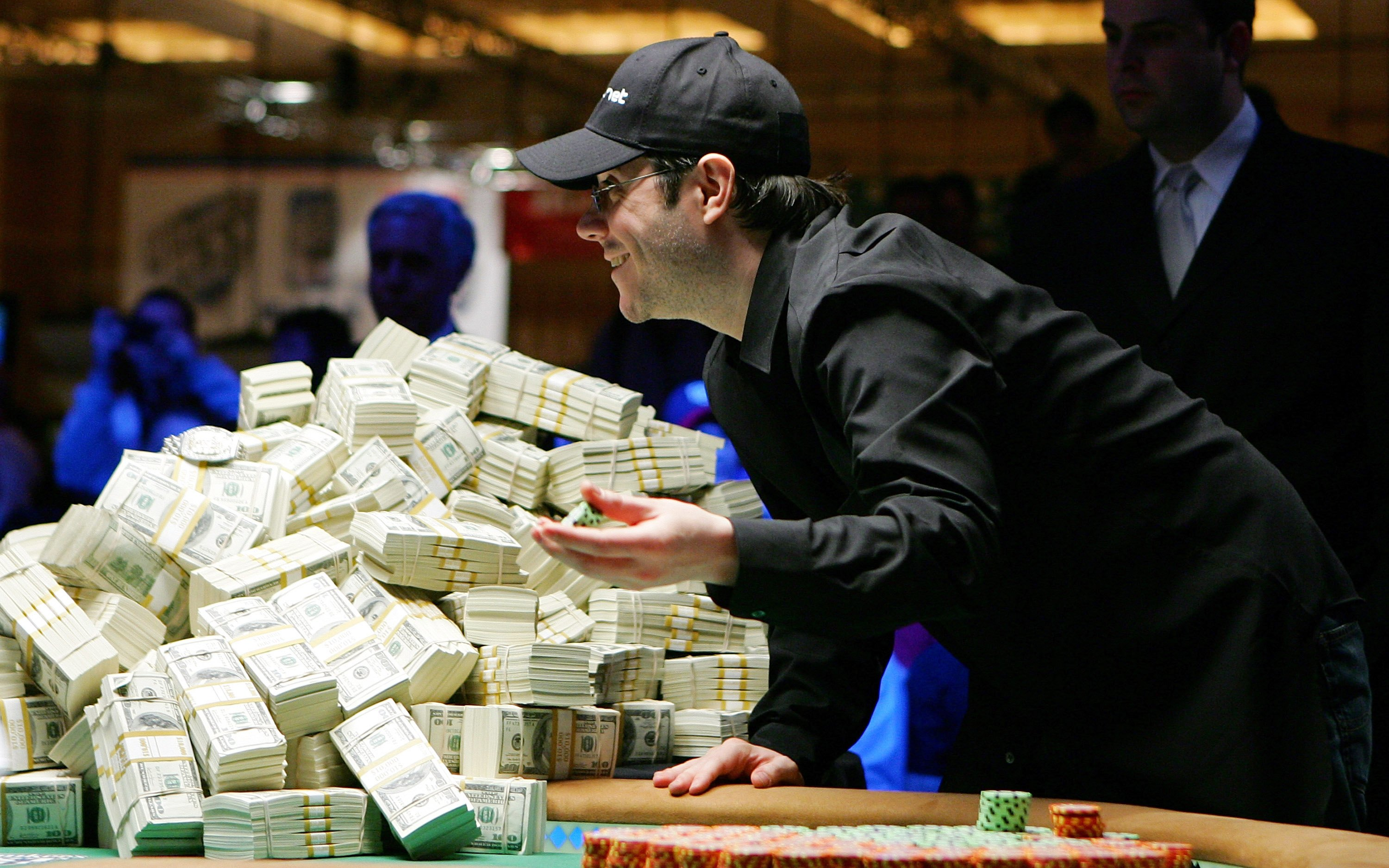 Jamie Gold in his element during the 2006 World Series of Poker Main Event, goading Paul Wasicka into a call during the heads-up battle for $12 million. (Photo: GettyImages)
