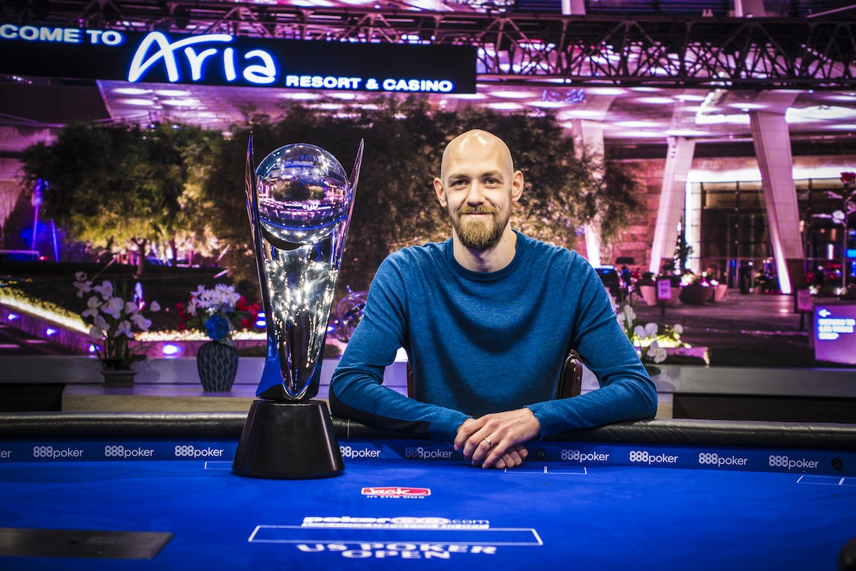Stephen Chidwick with his 2018 U.S. Poker Open trophy.