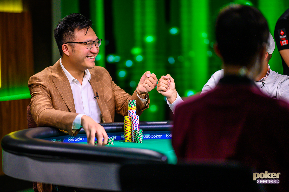 Oscar Ng was having a blast on the Super High Roller Cash Game inside the PokerGO Studio.