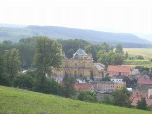 Wambierzyce village on Stolowe Mountains